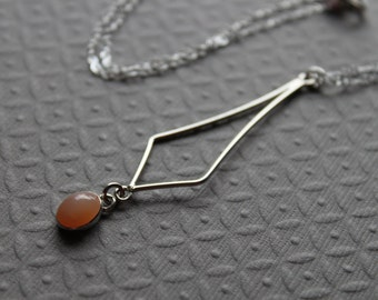 Sterling Silver necklace - Peach Moonstone