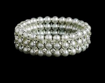Pearl cuff bracelet Vintage style pearl crystal stretch wedding bracelet silver pearl bridal wedding  jewellery