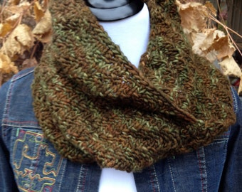 Sale - Hand Knitted Cowl - Infinity Scarf - Moebius Scarf - Unisex - Reversible - Organic Pure Merino Wool - Ready To Ship
