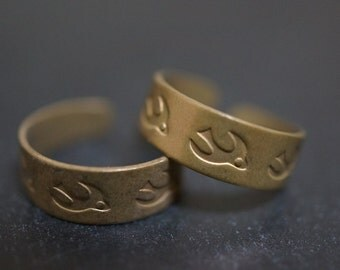 Antique Bronze Adjustable Toe Ring Blanks with Sparrow Patterns - 4 pcs