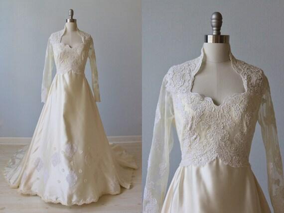 Wedding Dresses Lace Full Skirt : Lace wedding dress long sleeve full skirt