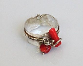Red coral ring, Unique coral jewelry, silver women ring with red coral.