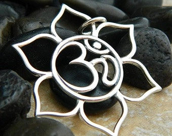 Large Lotus Ohm Pendant in Sterling Silver - SD1190