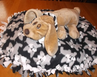Handmade Fleece No Sew  Dog Bed Filled Puppies Black and Gray