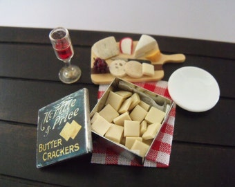1.12th Scale Dolls House Miniature Food item, McVitie and Price Butter Crackers, Tin of 35