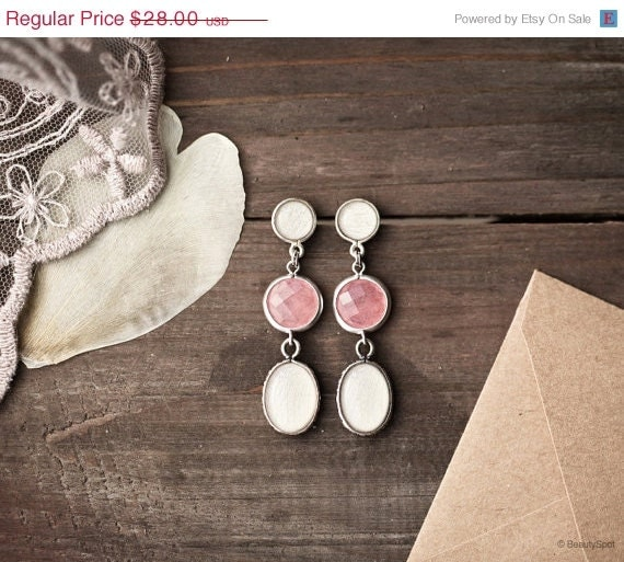 White tulip and pink earrings - Flower jewelry  - Bloom Collection by BeautySpot (E138)