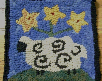 "Beginner ""Sheep with Star Posies""  Primitive Rug Hooking Kit"