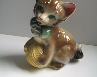 Ceramic Cat Figurine Green Eyed Kitty With Ball Of Yarn