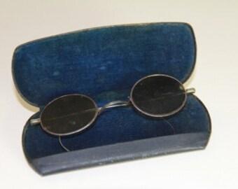 1930s Small Oval Wire Rimmed Sunglasses with Centerline Temple Design