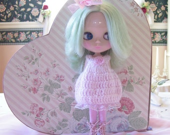 Pink Crochet Dress for Blythe....Darling!!!