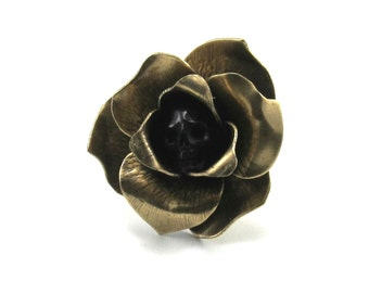 SALE 50% OFF Gothic Ring - Over-sized Mourning Ring - Grim - with Antiqued Brass Tea Rose and Carved Black Buffalo Horn Skull