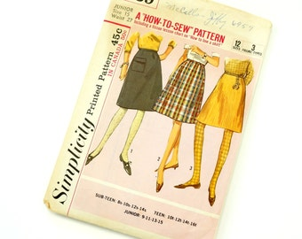 Vintage 1960s Simplicity Pattern 6139 / 60s Junior Women's Size 15 Dart Fitted A-Line Skirt inTwo Lengths / waist 27 / Complete