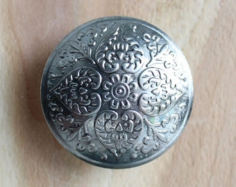 Disc Drawer Knobs - Furniture Knobs with embossed flower and heart pattern (MK150)