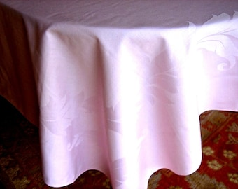 Tablecloth Vintage Pink Leaves Center Square Flowing Laurel Leaf Damask 72""