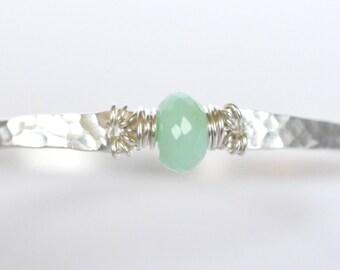 Chrysoprase Bangle Bracelet, Mint Green, Sterling Silver Hammered Bangle, Pastel Green Stacking Bracelet Layering Jewelry