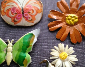 Destash FLOWER POWER Groovy Mix // Butterflies & Flowers // Spring Mix Brooch Lot / Jewelry Lot