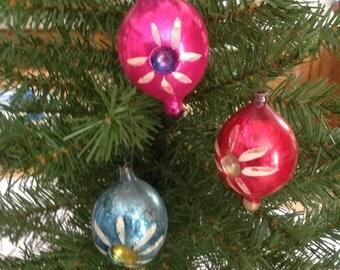 3 Vintage Teardrop Mercury Glass Hand Painted Christmas Ornaments (0-133)