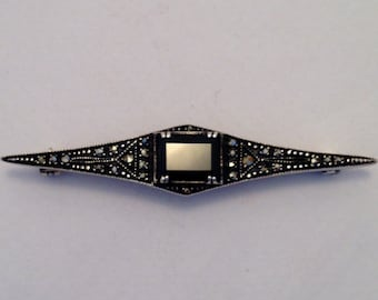 GOTHIC Vintage Brooch with Onyx and Marcasite Sterling Silver Oxidized
