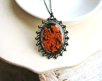 Orange Flower Necklace Queen Anne's Lace Necklace Pressed Flowers Botanical Jewelry Resin Jewelry Nature Inspired Garden Gift Bridal Jewelry