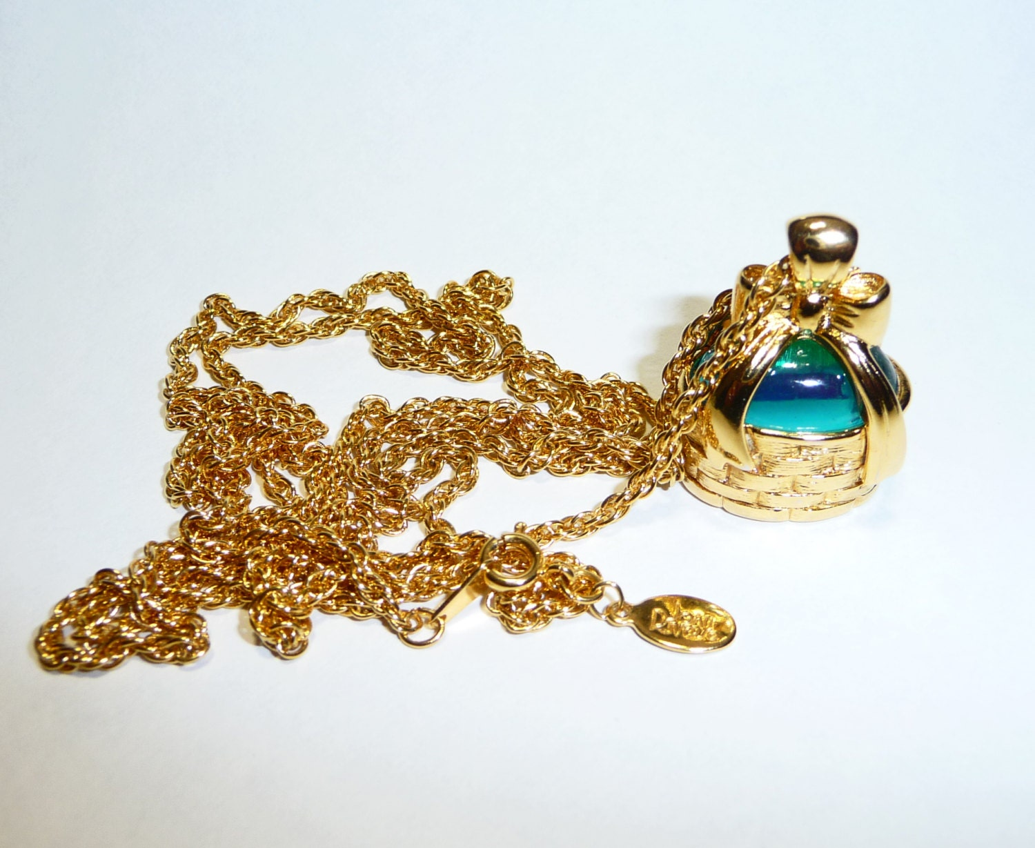 Joan rivers classics collection egg basket necklace on etsy for Joan rivers jewelry necklaces