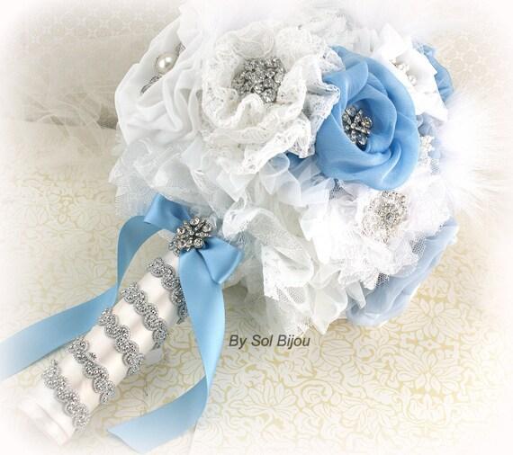 Brooch BouquetLight BlueWhiteSilverPowder BlueFeather