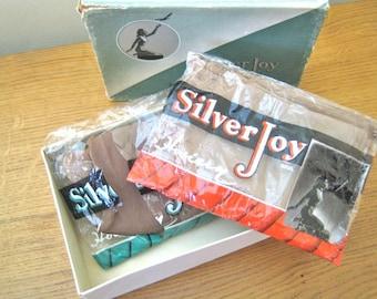 CC41 1940s nylon stockings 2 pairs in original packaging! Beautiful box size 9 Silver Joy
