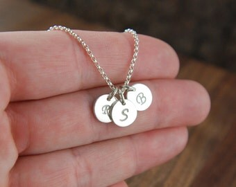 Initial charm necklace in sterling silver, circle charm, round charm, monogram necklace, customized, personalized jewelry, mother's day