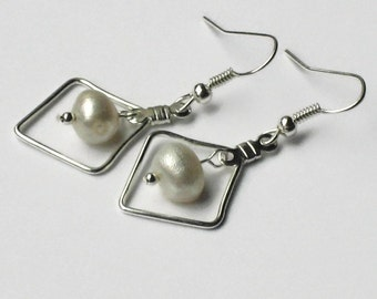 Freshwater Pearl Earrings, Beach Wedding Jewelry, Bridesmaids Gifts, Gifts for Women Mom Wife Sister Daughter Grandma Under 15