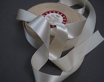 Vintage Cream ribbon Satin ribbon Taffeta Ribbon Bow ribbon Cream color 1.25  inch wide