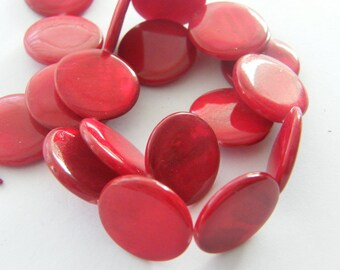 20 Red shell round beads 20mm B26