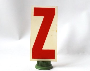 """vintage 1970's industrial marquee sign letter Z type acrylic plastic red on white aged 6.5"""" tall decorative home decor church typography old"""