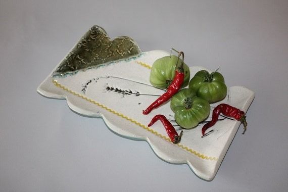 Scalloped Serving Tray