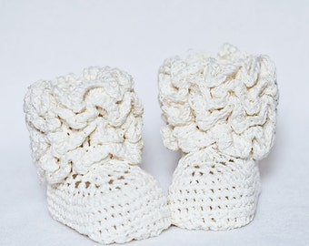 Crochet Baby Booties - Ruffle Baby Boots ready to wear (0-6 months)