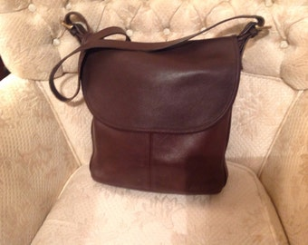 Vintage Coach Whitney Dark Brown Leather Shoulderbag Classic Fashion Wear/Back-To-School