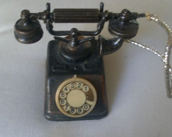 Vintage Die-Cast Miniature Rotary Telephone Pencil Sharpener