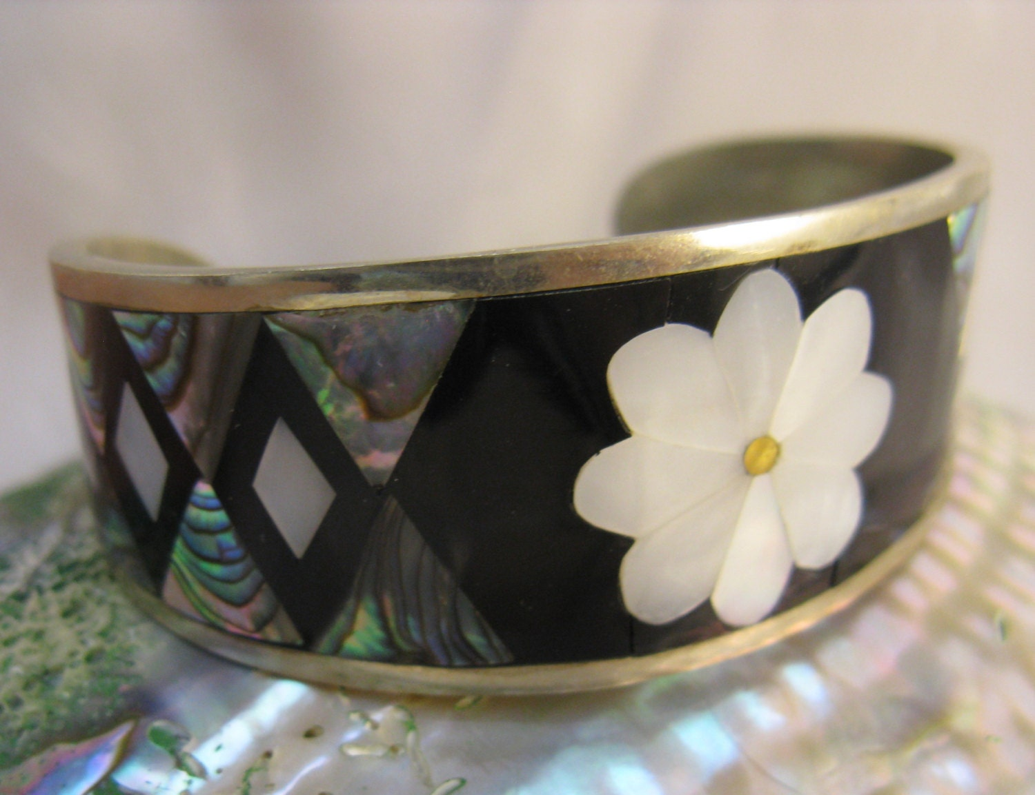 Vintage 70s Mother Of Pearl Abalone Shell Alpaca Mexico Cuff