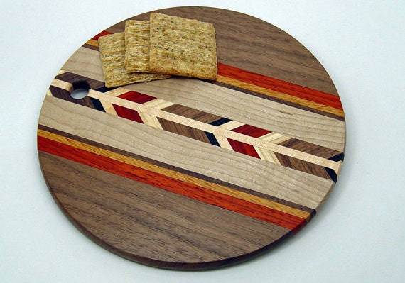 walnut 8 round wood cutting board r. Black Bedroom Furniture Sets. Home Design Ideas