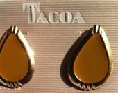 Teardrop Post Earrings in Gold Tone,  Retro Tacao Earrings, Light Weight Pierced Earrings