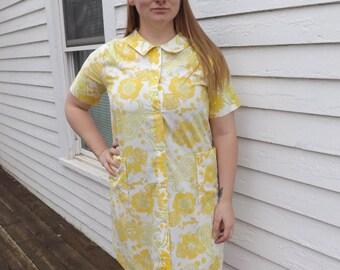 60s Mod House Dress Cotton Vintage Yellow Print Casual 1960s L XL 41 Bust