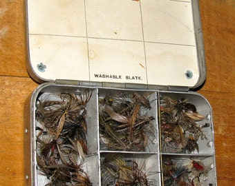 Vintage Fly Fishing Fly Box / Case & Flies / Trout  Fly Lures / Tackle