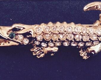 Little alligator vintage brooch