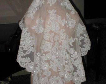Vintage IVORY  Alencon Lace Mantilla Bridal Veil by Pricilla of Boston