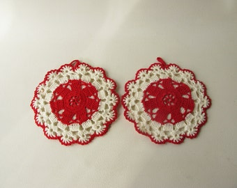 Vintage Crocheted Pot Holders, red white, round, kitchen decor, hot pads