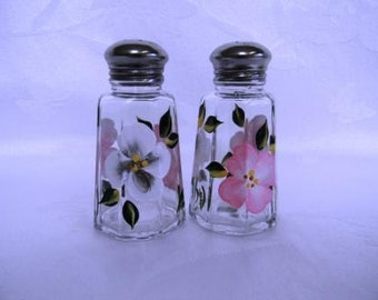 Salt and pepper shakers, hand  painted salt and pepper shakers, salt and pepper shakers with gray and pink flowers, floral design
