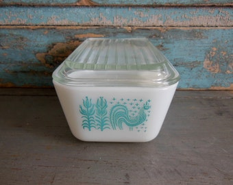 Butterprint Pyrex Refrigerator Dish with Lid 502 1.5 pint