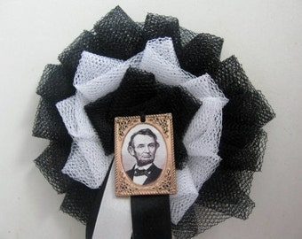 Civil War Abraham Lincoln Mourning Badge Cockade