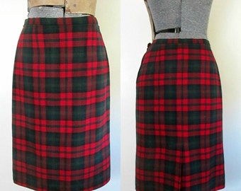 Pendleton Tartan Plaid Pencil Skirt / 1960 1970s Wool Straight Skirt Christmas Fashion
