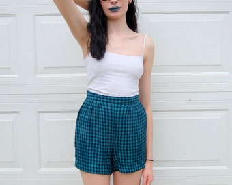 SALE!!!!!!!! Navy and hunter green plaid high rise shorts 1990s 90s VINTAGE