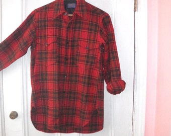 Pendleton Red Plaid Wool Shirt - Mens Medium - Two Button Down Pockets
