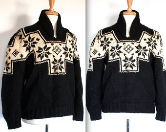 Vintage 1960's Cowichan Sweater // 60s 70s Classic Snowflake Design Black Wool Knit Cowichan Pullover